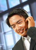 Customer Service Helpdesk Operator Talking To A Customer — Stock Photo