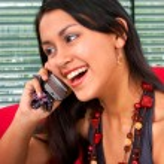 joven mujer asiática en un teléfono — Foto de Stock
