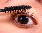 Applying Mascara As Part Of Makeup Regime — Stock Photo