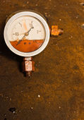 Gas meter against rusty background — Stock fotografie