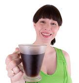 Młoda kobieta radosna pije kawę — Zdjęcie stockowe