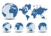 Mapa mundial con globos de tierra en fondo blanco — Vector de stock
