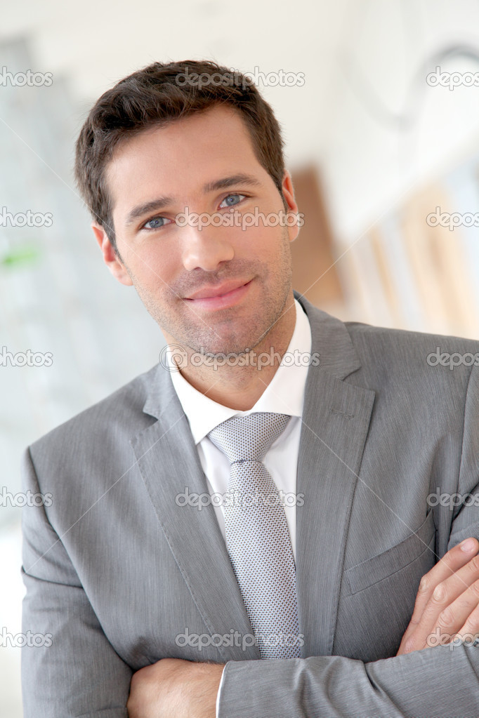 Portrait of smiling businessman — Stock Photo #5687673
