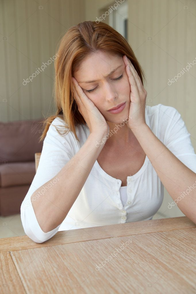 Portrait of young woman having a toothache — Stock Photo #5695939