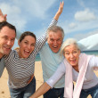 Family vacation at the beach — Stock Photo #6700415