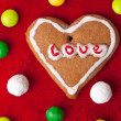 Foto Stock: Heart shape made from gingerbread