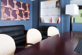 This is a photograph of a boardroom — Stockfoto