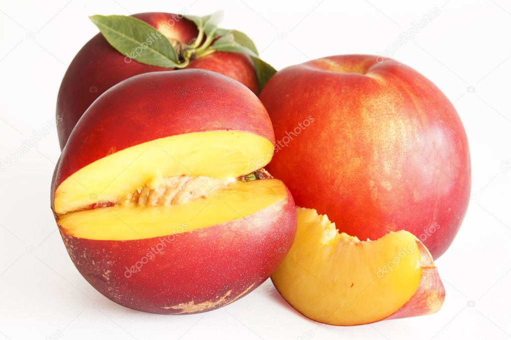 A slice of nectarine on withe background — Stock Photo #5988508