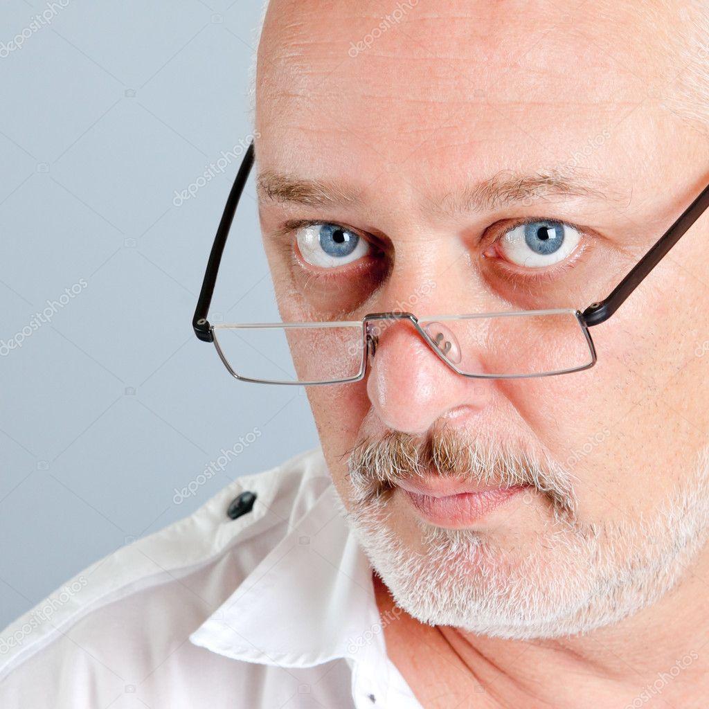 Фото мужчин в очках домашнее 13 фотография
