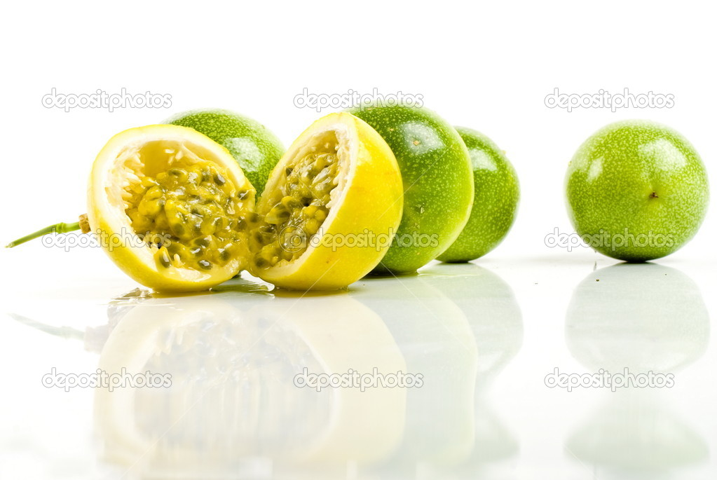 Maracuja - Passion Fruit. Photo of,  — Stock Photo #5825384