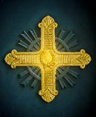 金十字架 — 图库照片