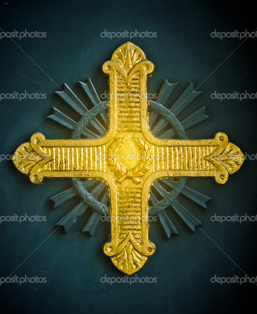 Shining gold cross relief on a Greek Orthodox church in Istanbul, Turkey — Stock Photo #5714917