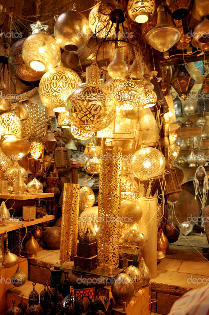 Handcrafted decoration items sold in the Khan El-Halili Bazaar, Cairo, Egypt — Stock Photo #6183507