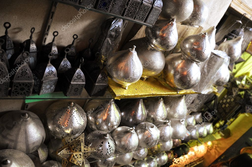 Handcrafted decoration items sold in the Khan El-Halili Bazaar, Cairo, Egypt — Stock Photo #6183737