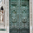 Gate of cathedral in Florence — Stock Photo
