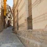 Narrow street in Syracuse, Sicily — Stock Photo #6459661