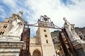 Gateway to Cathedral-Basilica of Cefalu — Stock Photo