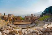 Antique amphitheater Teatro Greco, Taormina — Stock Photo