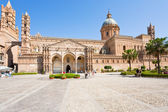 Cathedral of Palermo -ancient architectural complex in Palermo, — Stock Photo