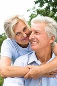 Linda pareja de ancianos — Foto de Stock