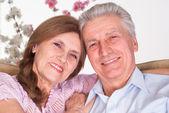 Gerne älteres Ehepaar — Stockfoto