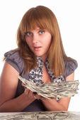 Meisje met contant geld — Stockfoto