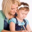 Mom and daughter draw - Stockfoto
