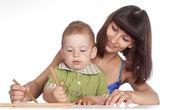 ママと息子の描画 — ストック写真