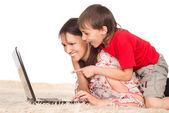 Madre e hijo con el ordenador portátil — Foto de Stock