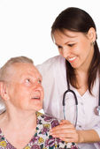 看護師と患者の高齢者 — ストック写真