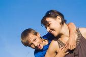 Mamma con figlio al natura — Foto Stock
