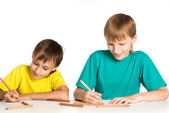 Two brothers drawing — Foto Stock