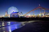 夜にサンタモニカー桟橋 — ストック写真