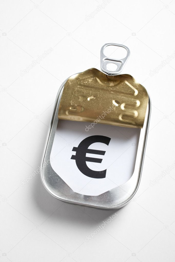 Can and Euro Sign, Concept of easy and timely financial assistance — Foto Stock #5775644