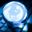 Globe and Computer Keyboard — Stockfoto