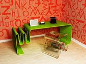 现代室内与玻璃的椅子和一个表 — 图库照片