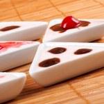 Desserts creamy in bamboo mat — Stock Photo