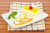 Delicious lemon cake — Stock Photo