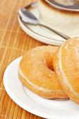 美味甜甜圈和咖啡 — 图库照片