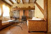 Obývací pokoj s krbem — Stock fotografie