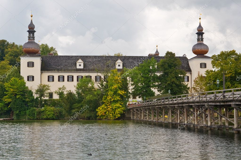 A view of Seeschloss Ort Castle, Gmunden, Austria — Stock Photo #6342669