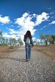 Oblázek stopa žena — Stock fotografie
