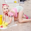 Sexy housewife doing housework — Stockfoto