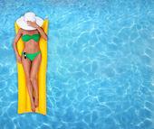 Relajarse en el agua — Foto de Stock