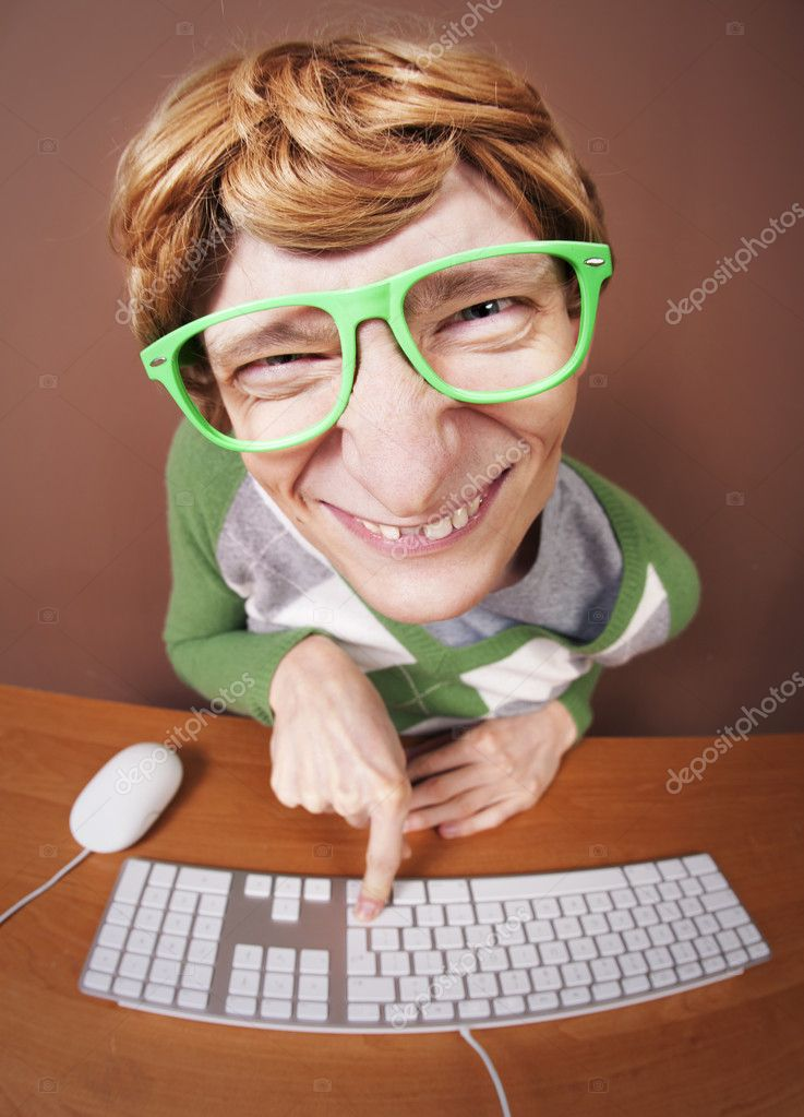 Funny guy at the computer — Stock Photo #6684715