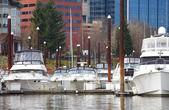 游艇在散步道、 波特兰或. — 图库照片