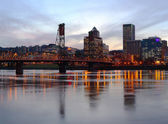 Portland Oregon panorama at dusk. — Stock Photo