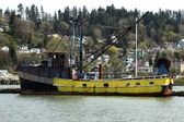 Burned fishing vessel, Astoria OR. — Stock Photo