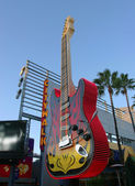 A giant electric guitar. — Stock Photo