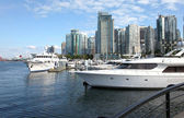Skyline de Vancouver bc & yachts. — Photo